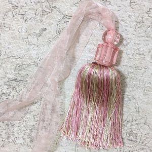 Light Pink & Green Decorative Tassel